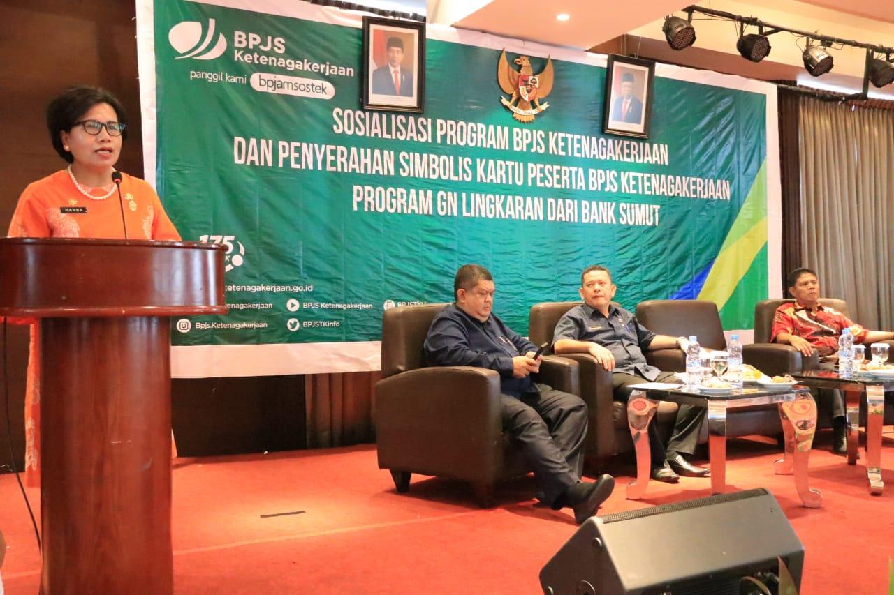 10.000 Tenaga Kerja Rentan Kota Medan Terima Kartu Peserta BPJS Ketenagakerjaan