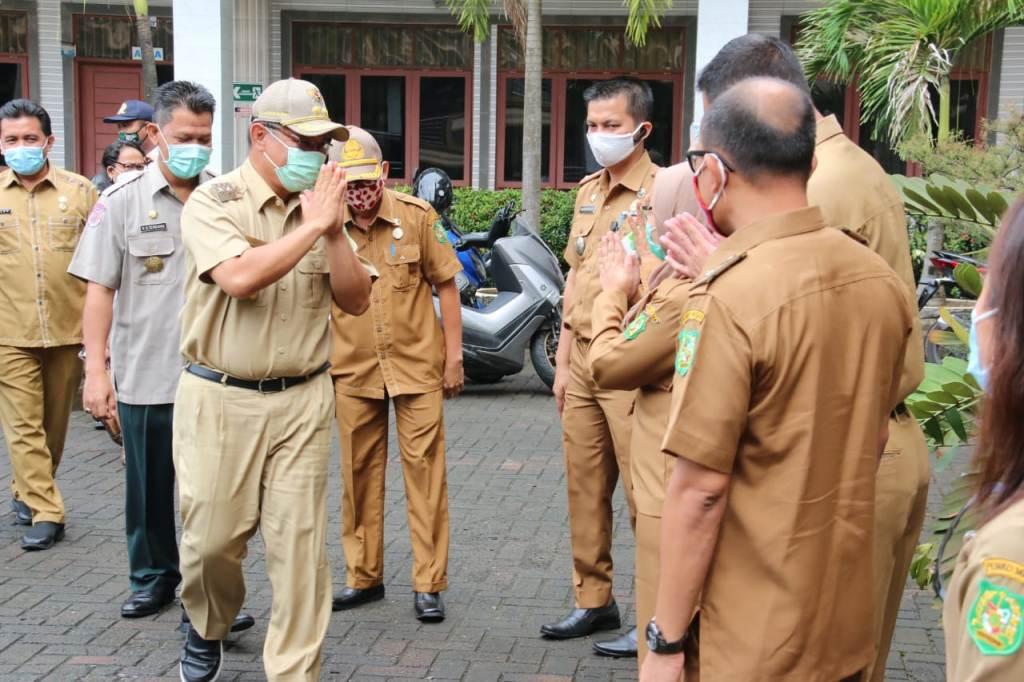 Akhyar Sosialisasi Perwal Kota Medan 27/2020 di STIKes Senior
