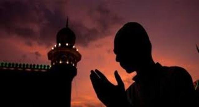 Doa Agar Bisa Dekat dan Dicintai Orang-orang Saleh