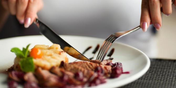 Etika Saat Makan Menurut Imam al-Ghazali