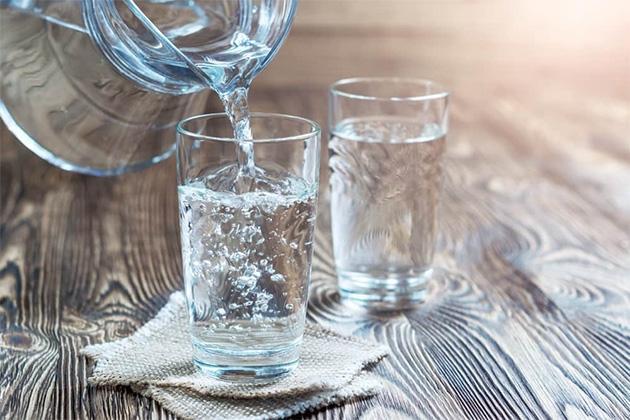 Ini Akibatnya Jika Anda Jarang Minum Air Putih