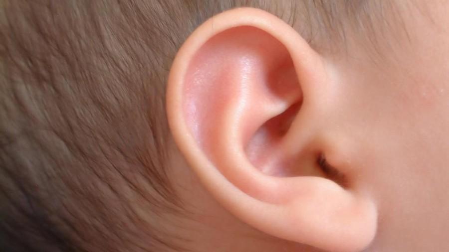 Ini Alasan Mengapa Telinga Bayi yang Baru Dilahirkan Perlu Diazani