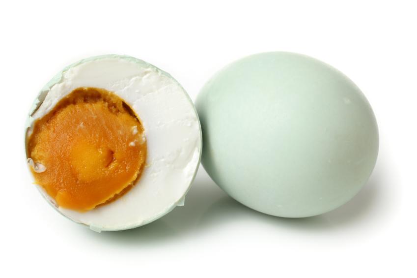Ini Bahayanya Jika Makan Telur Asin Berlebihan