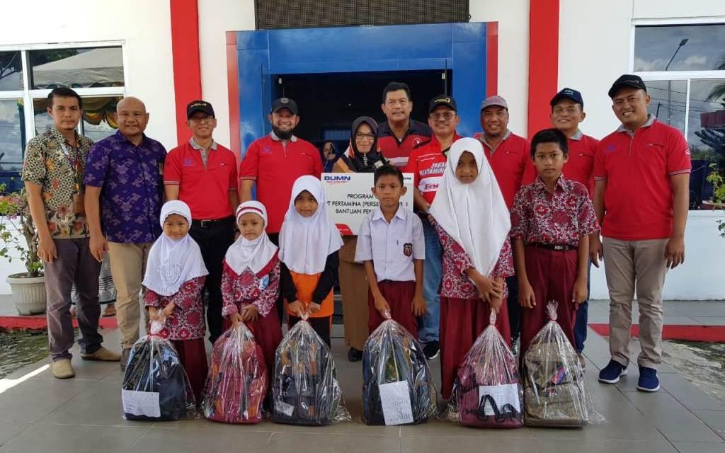 Pertamina dan Hiswana Migas Sumut Serahkan Bantuan CSR di Meulaboh