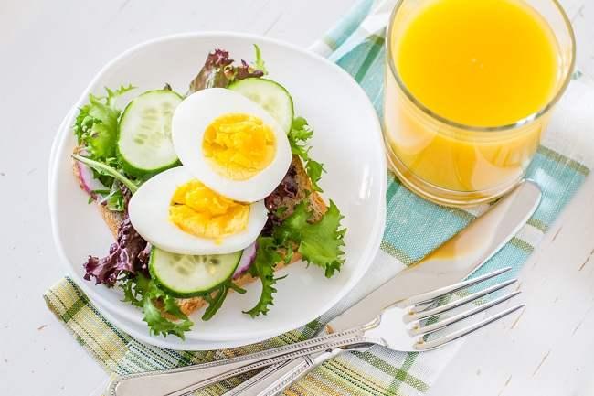 Ragam Makanan Sehat untuk Ibu Menyusui