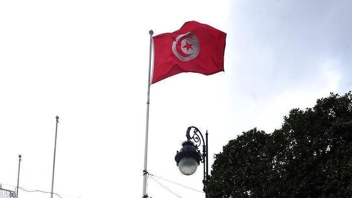 Ratusan Warga Tunisia Protes Perampasan Kekuasaan Presiden Saied