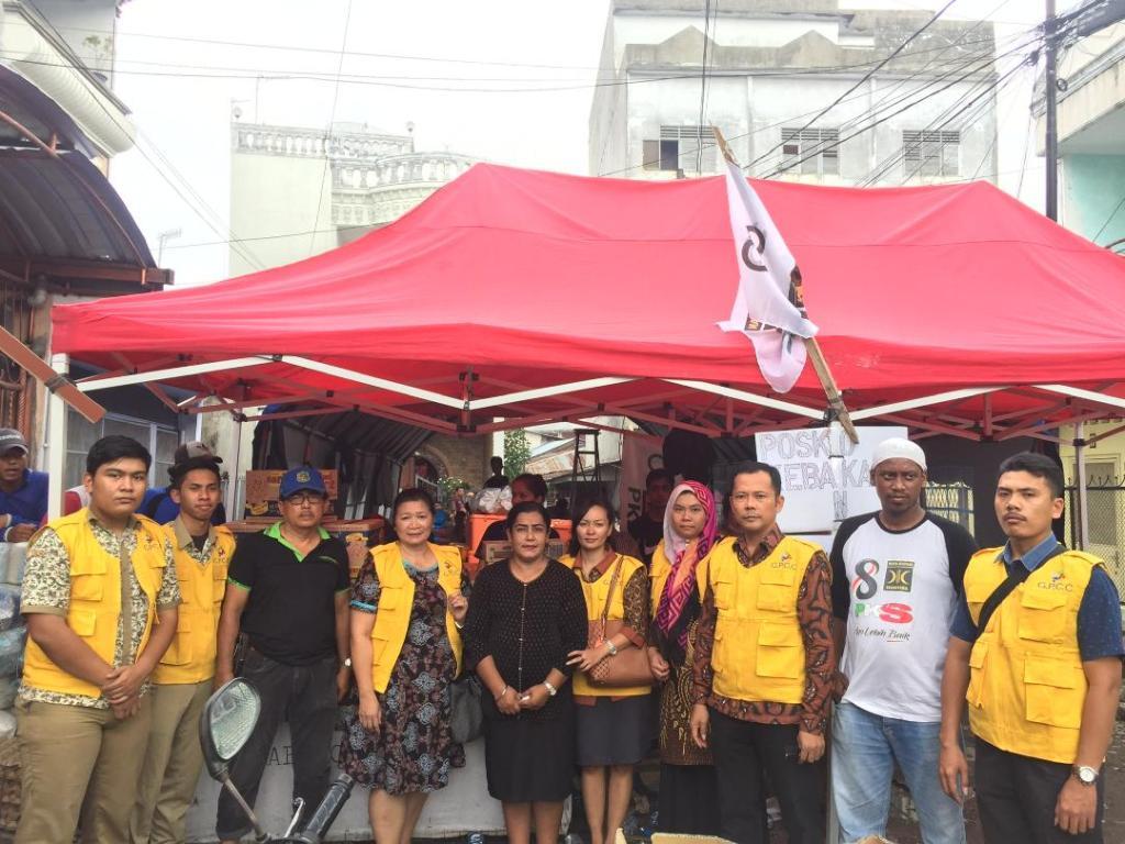 Sekolah Global Prima Bantu Korban Kebakaran Jalan S.Parman