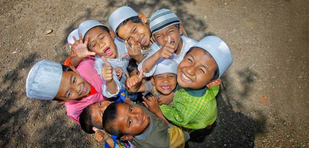 Tiga Ganjaran Membuat Orang Lain Tersenyum dan Bahagia