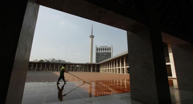 Tiga Keutamaan Menjaga Kebersihan Masjid